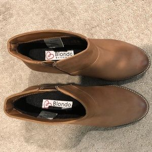 Blondo leather waterproof booties, size 8, new.